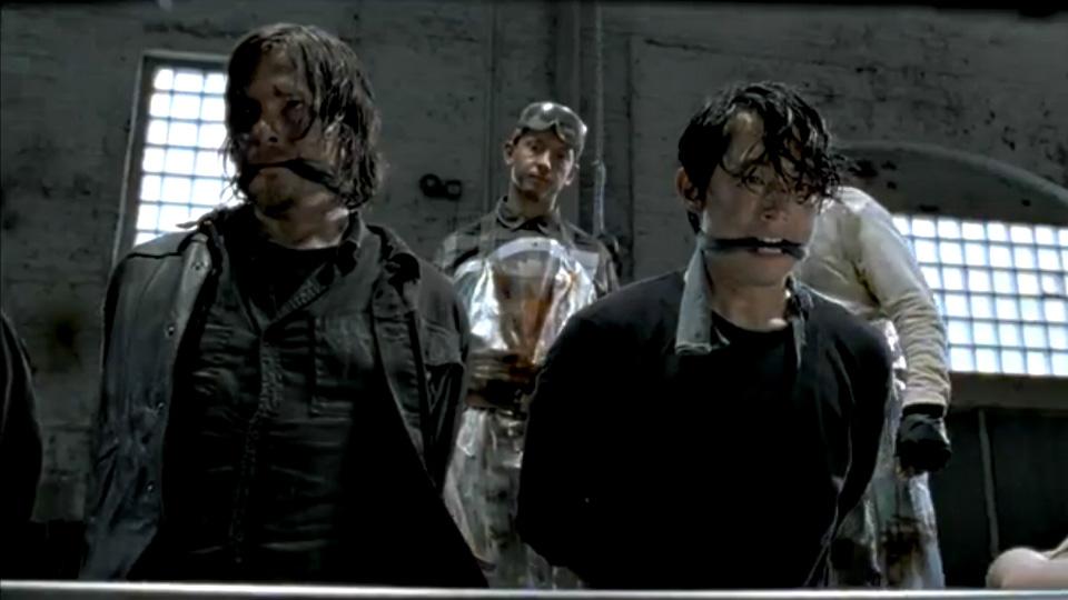 Daryl og Glenn i trøbbel i «The Walking Dead» sesong 5.