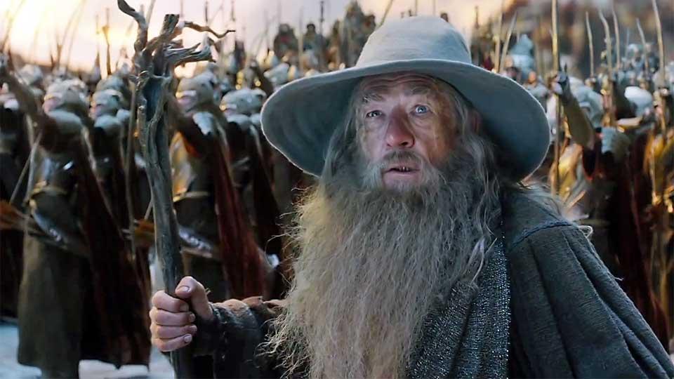 Ian McKellen som Gandalf i «Hobbiten: Femhærersslaget». (Foto: SF Norge)