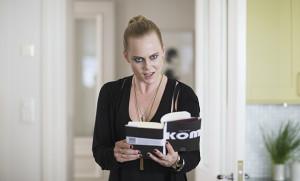 """Du vet, hun her. (Foto fra filmen """"Kvinner i for store herreskjorter"""", Motlys / Norsk Filmdistribusjon)"""
