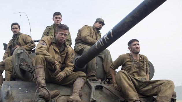 Bla. Brad Pitt og Shia Lebeouf i «Fury»