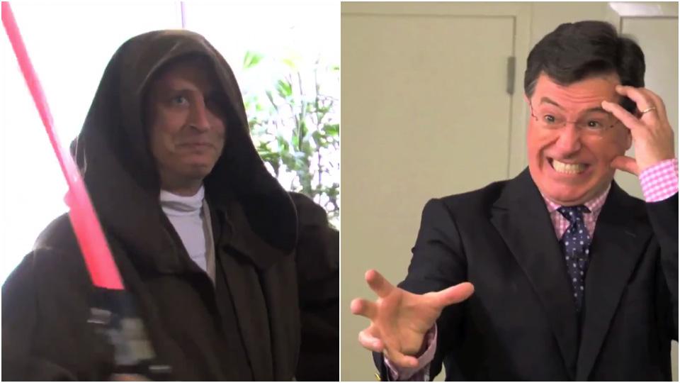 Jon Stewart og Stephen Colbert slåss om hvem som er mest «Star Wars»-fan. (Foto: Omaze)