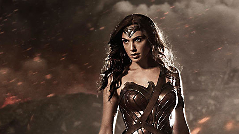 Gal Gadot som Wonder Woman på Comic Con i 2014.