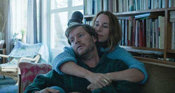 Magnus Krepper og Ann Eleonora Jørgensen som den eldste utgaven av David og Sarah. Foto: Motlys/Norsk filmdistribusjon